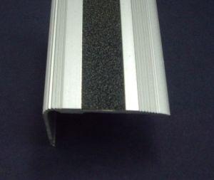 Защитен ръб за стъпало-55х32мм