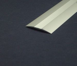 Лайсна 30мм с нарези за лепене-плоска